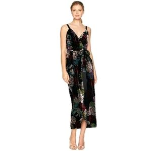 NWT Laundry by Shelli Segal Velvet Floral Dress